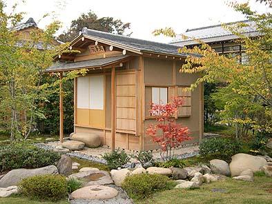 伊藤博文の書斎を移築したと伝えられる茶室の復元