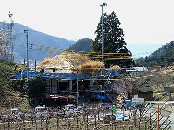 茅葺きワークショップが行われた上条の観音堂