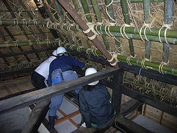 小屋裏では針返しの作業が行われました