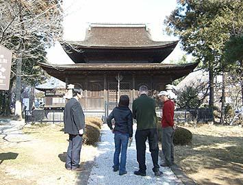 国宝の仏殿を見学させていただきました