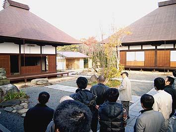 笛吹市一宮町で移築された国分寺の伽藍を見学