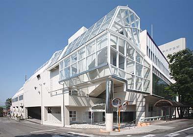 竣工外観 元はショッピングセンターの建物でした