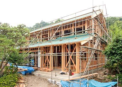 上棟引き渡し時の外観、新材も加えて一軒の家を上棟まで担当