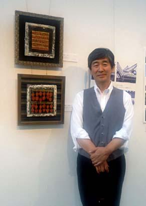 弊社社長の石川の作品は「瓦絵」、ころ柿シリーズを2点出品しました
