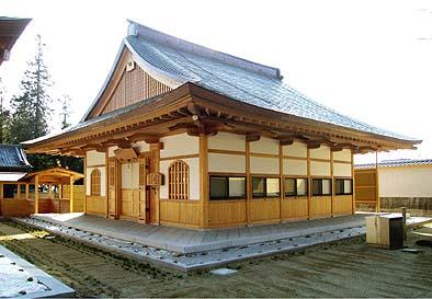 同じく大本山向嶽寺の禅堂